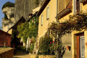 Relais Roches - Les Eyzies - Back streets in the village of Les Eyzies